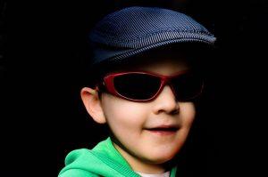 sunglasses-71028_640